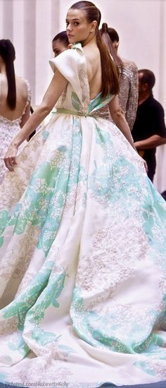 -Elie Saab Haute Couture <3 A modern day Scarlett O'hara. Reminds me of her green and white garden dress!