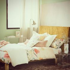 Stunning Chrysanthemum bedding range from @zarahome - perfect to keep the Spring/Summer feel all year long!  #bedding #zarahome #interior #style #pretty #interiorinspiration #monday #iwant #shopthelook #myhomesready #homedecor #autumn #bed #airbnbtips