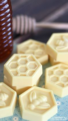 DIY Milk & Honey Soap in 10 Minutes - This easy DIY Milk and Honey soap can be made in just 10 minutes, and it boasts lots of great skin benefits from the goat's milk and honey! A wonderful quick and easy homemade gift idea!