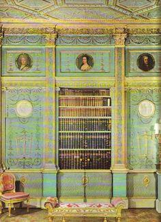Jane Austen, Estilo Adam, Interior Design Vignette, Interior Ideas, Peacock Bedroom, Georgian Furniture, Adam Style, Mediterranean Style, Old World