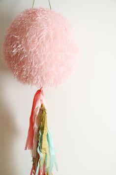 Piñatas que Ilusionan: Piñata decorativa Globo Rosa