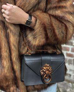 handbags, purses and bags Prada Handbags, Purses And Handbags, Prada Bag, Handbags Online, Fashion Bags, Fashion Accessories, Womens Fashion, Women Accessories, Sac Michael Kors