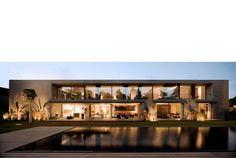 Casa no Estoril por Frederico Valsassina Arquitectos