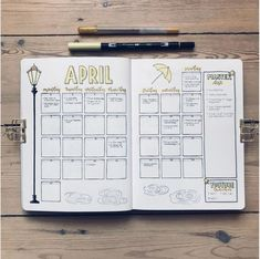 30 Monthly Spread Layouts for your Bullet Journal - Ideas and Inspiration - www.christina77star.net Bullet Journal Ideen, Bullet Journal Calendar Ideas, Journal Ideas, Bullet Journal How To Start A Layout, Bullet Journal For School, Bullet Journal Months, Bullet Journal Christmas, Planner Journal, Planner Book