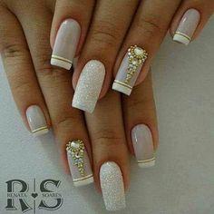 I put my nail polish like a pro! - My Nails Fabulous Nails, Gorgeous Nails, Pretty Nails, Manicure And Pedicure, Gel Nails, Nail Deco, Diy Nail Designs, French Tip Nails, Dream Nails