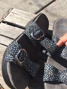 70a422f4227b45 Dansko Sophie Shagreen Clog Slide Sandals 38 Black Leather Double Strap  Free Shi