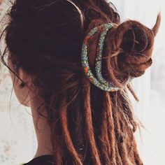 108 Amazing Dreadlock Styles (for Women) to Express Yourself Hippie Dreads, Hippie Hair, Redhead Hairstyles, Dance Hairstyles, Dreadlock Hairstyles, White Girl Dreads, Dreads Girl, Hot Hair Styles, Curly Hair Styles