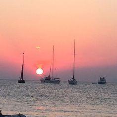 Quien se apunta a final del día? #2015 #beso #beach #besobeach #sky #soul #sea #love #food #funny #friends #formentera #formenteralovers #instatravel #summer #sunset #island #ibiza