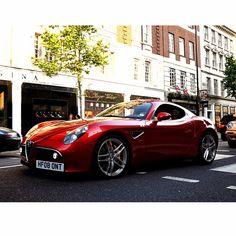 Alfa Romeo 8C.