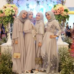 70 popular Ideas for wedding party dresses casual Dress Brokat, Kebaya Dress, Hijab Dress, Trendy Dresses, Nice Dresses, Casual Dresses, Wrap Dresses, Modest Fashion, Hijab Fashion