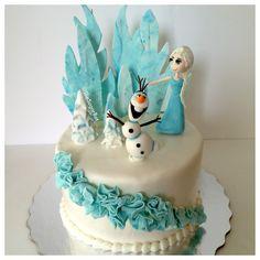Frozen themed cake! @Kimberly Morsch www.thesugarbot.etsy.com #frozencake #olaf #queenelsa #elsa #frozen #frozencakes #cake #cakes #cupcakes #fondant #disneycakes #disney #frozencakes #customcakes
