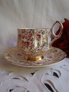 Vintage Tea Cup and Saucer from 1920 Fine England Porcelain Tea Set Gold White and Red – Tea Time Vintage Cups, Vintage Tea, Vintage China, Teapots And Cups, Teacups, China Tea Cups, My Cup Of Tea, Tea Cup Saucer, Drinking Tea
