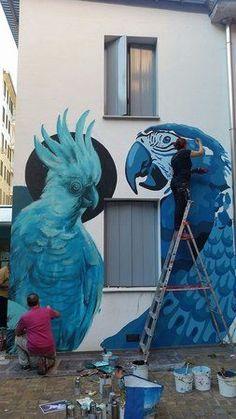 Street art pubblica nella sede WWF nei giardini in via Tommaso da Cazzaniga @krasertres @refres #streetart