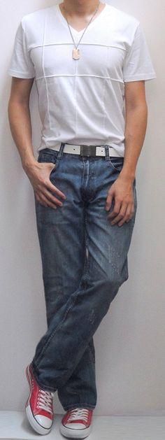 05fa4f374f4f Uniqulo white tee Light Blue Jeans, White Tees, White Shorts, Canvas  Sneakers,