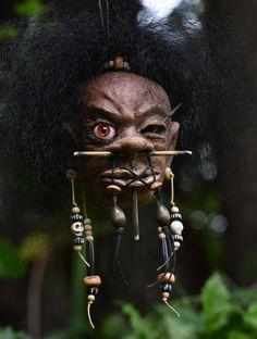 Halloween Displays, Diy Halloween Decorations, Halloween Crafts, Witch Doctor Costume, Shrunken Head, Tiki Tiki, Arte Obscura, Voodoo Dolls, October 31