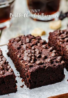 The BEST Fudgy Black Bean Brownies recipe! I've won a baking contest with these brownies! These easy to make brownies are made with canned black beans and peanut butter making them extra fudgy and more healthy than the usual brownie. Skinny Brownies, Best Brownies, Fun Desserts, Delicious Desserts, Dessert Recipes, Dessert Healthy, Healthier Desserts, Bar Recipes, Skinny Recipes