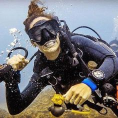 Scuba Diving On The Brain Mens Funny Hoodie Dive Sea Diver Equipment Gear Mask