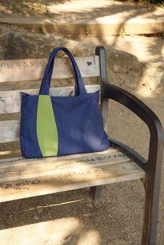 un sac bleu pour l'été
