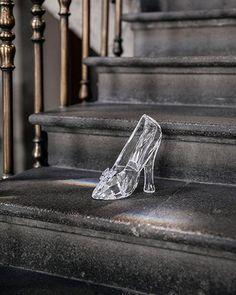 La zapatilla de cristal de Cenicienta de Swarovski en Mexico Zapatilla De  Cenicienta ec4ba9232fba