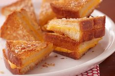 Ultimate Crispy Grilled Cheese Sandwiches recipe.  Delicious.  Family favorite after only ONE night.  On our 4th dinner night with these amazing crispy cheese sammies!