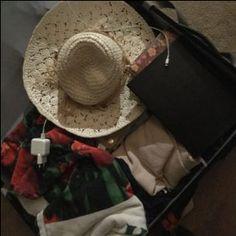 Koffer inpakken... Hoe moet dat?! Lees het op www.addellen.nl