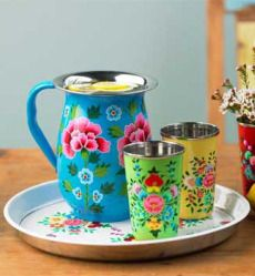 Flowered Enamelware....  CLAUDIA WANTS THESE TOO!!!!