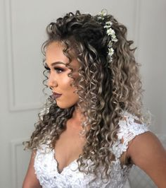hairstyles with bangs 2020 hairstyles black hairstyles short length curly hairstyles hairstyles party hairstyles 2018 hairstyles to sleep in hairstyles cuts Curly Bridal Hair, Curly Prom Hair, Curly Hair Styles, Natural Hair Styles, Heart Shaped Face Hairstyles, Oval Face Hairstyles, Bride Hairstyles, Wedding Hairstyles For Curly Hair, Gray Hairstyles