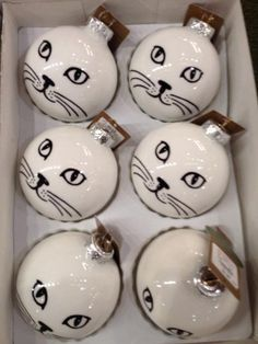 Cat Themed Holiday Ornaments You and Your Family Can Make