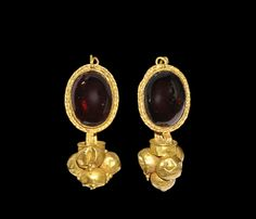 Greek Gold Garnet Cabochon Earring Pair, 5th-3rd century BC.