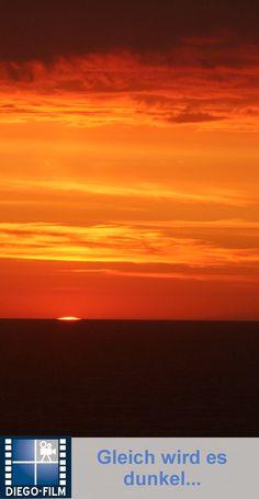Die Sonne geht über dem Meer unter ... http://diego-film.de/ ... #sonnenuntergang #sonne #urlaub #strand #meer