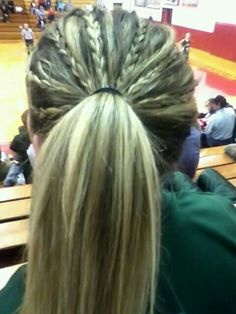 Love love love this pony tail
