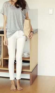 simple style: get yourself a pair of white skinnies and a grey tee.
