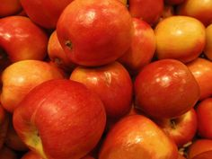 What Kind of Apples Are Best for Applesauce?: Braeburn Apples