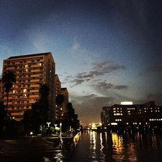 【roxy514】さんのInstagramをピンしています。 《良い天気だった。青空の下、秋刀魚と酒を気持ちよくいただきました(ᵔᴥᵔ)  #横浜 #本牧 #海 #夜景 #海岸 #海のある街 #yokohama #peace #happy #japan #photo》