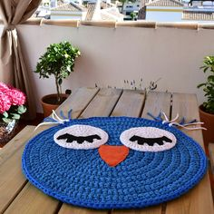 Baby T-shirt yarn carpet, Búho model: Rug - Baby rug - Round carpet - Trapillo rug - Crochet rug - Owl rug - TShirt yarn rug - kids rugs - Crochet Mittens, Crochet Pillow, Crochet For Kids, Crochet Baby, Owl Rug, Tshirt Garn, Crochet Rug Patterns, Crochet Carpet, Felt Applique