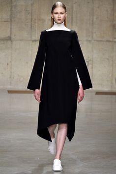 J.W.Anderson Fall 2013 Ready-to-Wear Fashion Show - Anna Martynova