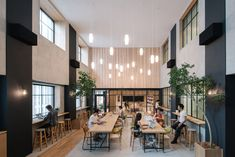 Suppose Design Office has created Airbnb's new Tokyo digs – a hybrid space that blurs international cultures. Suppose Design Office, Office Interior Design, Office Interiors, Airbnb Office, Work Cafe, Open Space Office, Office Spaces, Office Lobby, Office Inspo