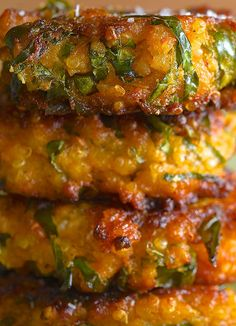 Sweet Potato Kale and Quinoa Fritters - they are sooo yummy. I used springonions instead of kale, oatmeal instead of panko and just one egg... I love them!