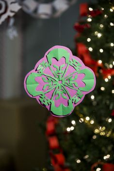 DIY Joker Snowflake - Free Printable Pattern