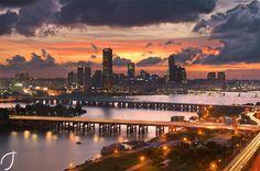 여의도와 한강 일몰 Yeouido and Han River sunset by Romain John on 500px