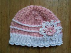 4f7b0d5ff08e bebe fille bonnet naissancebonnet nouveau né Bonnet bebe en laine rose avec  dentelle crochet