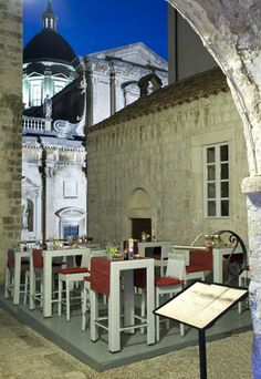 """Oyster and sushi restaurant """"Kamenice"""" Dubrovnik is tastefully and imaginatively decorated space that combines the seemingly incopatible features of taverns and clean lines of japanese interiors, allowing you to enjoy susji, fresh oysters afrom loval farming and other ready recognized specialties of """"Kamenice""""Dubrovnik restaurant."""