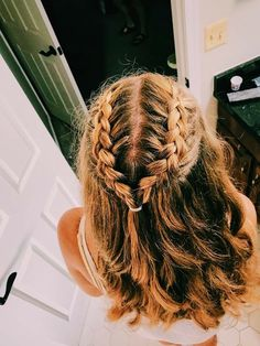 The Most Effective Hair Growth Shampoos & Conditioner - - .-The Most Effective Hair Growth Shampoos & Conditioner – – The Most Effective Hair Growth Shampoos & Conditioner – – - Cute Hairstyles For Short Hair, Girl Short Hair, Girl Hairstyles, Black Hairstyle, Short Girls, Hairdos, Holiday Hairstyles, Hairstyle Ideas, Dutch Braided Hairstyles