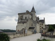 Chateau de Montsoreau  C'est beau, la visite est extrêmement bien faite, présentant le château dans son contexte ligérien. Intelligent et pédagogique Saumur, France, Mansions, House Styles, Home Decor, Beauty, Mansion Houses, Homemade Home Decor, Manor Houses