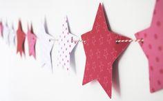 Glanz-Papier Sternen-Muster-Rot Weiß-Girlande Dekoideen