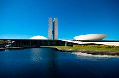 Congresso Nacional no BRASIL é uma das obras mais famosas de Oscar Niemeyer