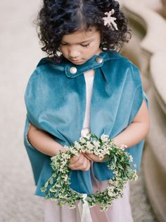 Should I have children at my wedding? Discussion and inviting children etiquette on Wedding Sparrow | Davy Whitener Photography | flower girl + junior bridesmaid inspiration