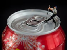 Surreal scenarios by macro photographer David Gilliver. The Guernsey-based finance worker, who began producing the little people series at the tail end of uses a DSLR camera and a macro lens to capture his unique snapshots of life in Smallville. Photography Degree, World Photography, Creative Photography, Amazing Photography, Macro Photographers, Miniature Calendar, Miniature Photography, Fotografia Macro, Glasgow School Of Art
