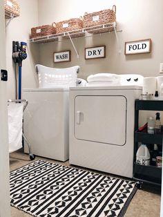 How To Create The Perfectly Organized Laundry Room - Hommade - Small Laundry Rooms, Laundry Room Organization, Laundry Room Design, Small Rooms, Organizing, Closet Storage, Diy Storage, Storage Spaces, Storage Ideas