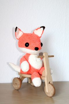 """What does the fox say?!! He says, """"FREE PATTERN!!"""".. Yay!!"""